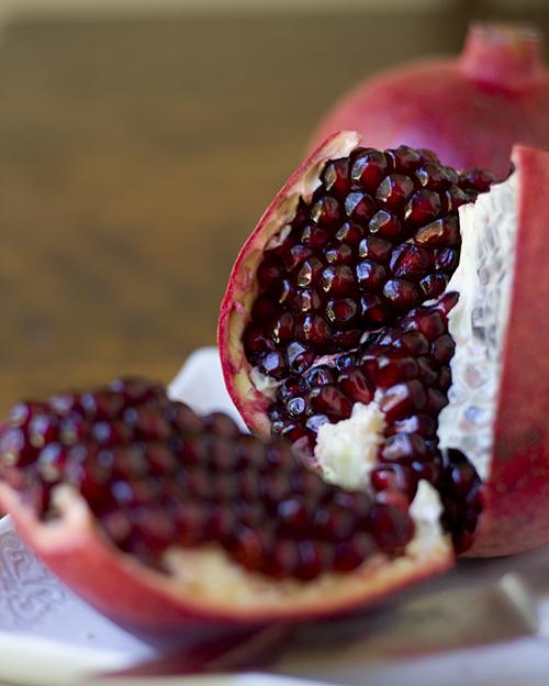 Pomegranate-cut-open